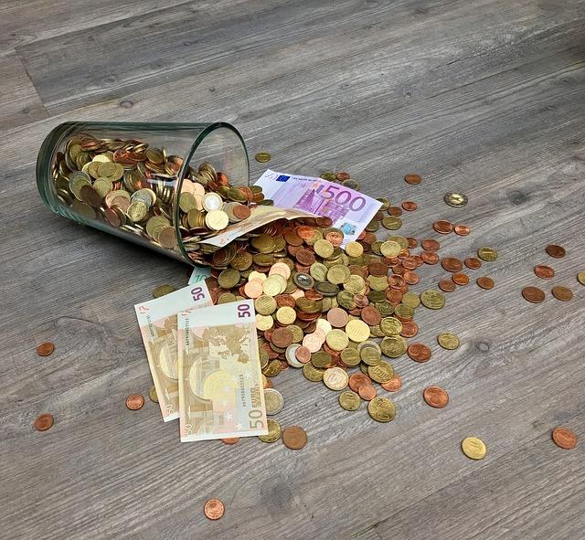 Šetříte, šetříte a přesto vám peníze proplouvají mezi prsty?