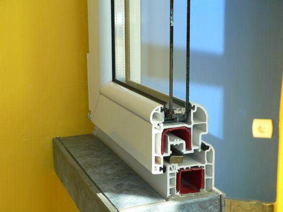 Plastová okna mají vylepšené tepelně izolační vlastnosti.