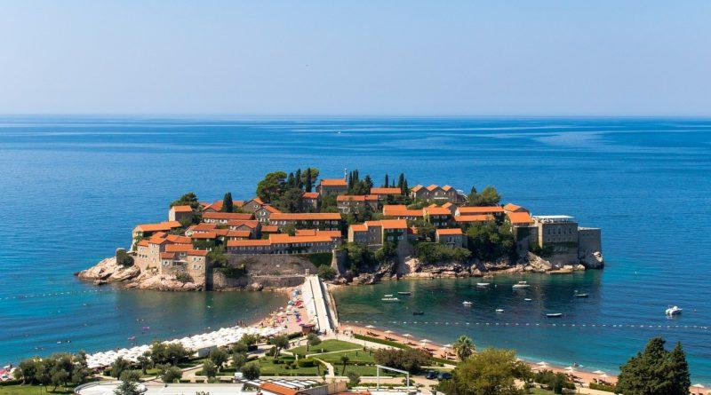 Montenegro Sveti Stefan Island  - osoian-marcel / Pixabay